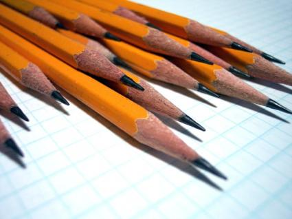 A Short Pencil is Better Than a Long Memory